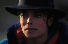 Dilip Mehta, a reputed freelance photographer, spent five nights with Michael Jackson at Neverland and Pebble Beach near Monterey in Joseph, Michael Jackson Bad Era, King Of Music, The Jacksons, Music Heals, History Memes, Silhouette, How I Feel, Actors