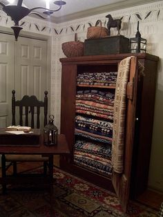 what a beautiful collection of colonial jacquard woven bedspread, coverlets . Farmhouse Decor, Decor, Country Primitive, Primitive Decorating Country, Home, Interior, Primitive Living Room, Colonial Decor, Home Decor