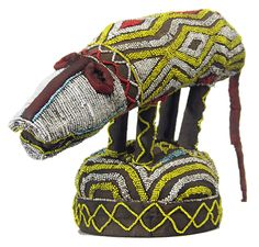 BAMILEKE BEADED OBJECT 20, Cameroon African Crown, African Hats, African Life, Afrique Art, Statues, Assemblage Art, Naive Art, Tribal Art, Art Pages