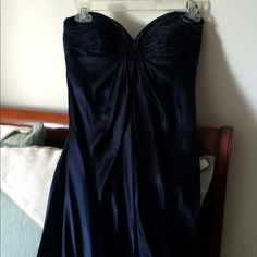 ⚡️flash sale⚡️HP Laundry by Shelli Segal  gown Laundry by Shelli Segal navy blue satin floor length gown, tuckered bodice, strapless, side zip, NWOT from Bloomingdales (only in tried on & for photo only). Bought because I love my same dress in pink mini from Saks 5th Ave! Host pick 4/16 Total Trendsetter Party🌸 Laundry by Shelli Segal Dresses Prom