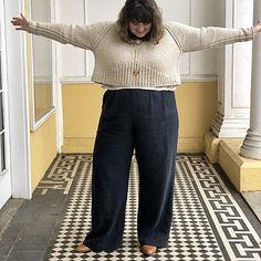 Ravelry: Ursa pattern by Jacqueline Cieslak Wrap Sweater, Cropped Sweater, Big Wool, Quick Knits, Pinterest Fashion, Knit Fashion, White Sweaters, Cute Tops, Knit Patterns