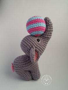 Mesmerizing Crochet an Amigurumi Rabbit Ideas. Lovely Crochet an Amigurumi Rabbit Ideas. Crochet Animal Patterns, Stuffed Animal Patterns, Crochet Patterns Amigurumi, Amigurumi Doll, Crochet Animals, Crochet Dolls, Kids Patterns, Crochet Elephant Pattern, Amigurumi Tutorial
