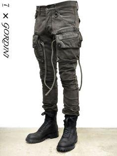 _Julius for Gordini narrow gasmask cargo pants Gothic Fashion, Look Fashion, Urban Fashion, Mens Fashion, Fashion Outfits, Fashion Design, Cyberpunk Mode, Cyberpunk Fashion, Dystopian Fashion