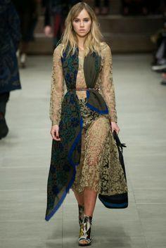 The Spell Of Fashion: Burberry Prorsum A/W 2014  http://themariopersonalshopper.blogspot.com.es/2014/02/burberry-prorsum-aw-2014.html