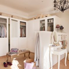 future resident of Scotland. Free Standing Closet, Closet Designs, Home Organization, Bedroom Styles, Cozy House, Made To Measure Furniture, Home Decor, Casa Dolce Casa, Closet Inspiration