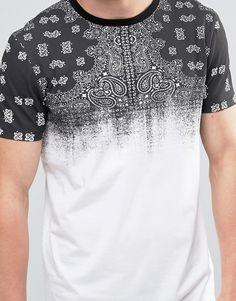 ASOS   Camiseta larga con estampado descolorido de bandana en el canesú de ASOS