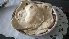 Das perfekte Libanesisches Fladenbrot ( Ergeben 10 Stück )-Rezept mit einfacher Schritt-für-Schritt-Anleitung: Hefe mit Zucker und etwas vom Wasser in…