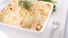A recipe for Salmon Shepherd's Pie made with salmon, salmon liquid, frozen mixed vegetables, dill weed, mashed potatoes Irish Recipes, Pie Recipes, Baby Food Recipes, Cooking Recipes, Recipies, Salmon Pie, Fish Pie, Mixed Vegetables, Salmon Recipes