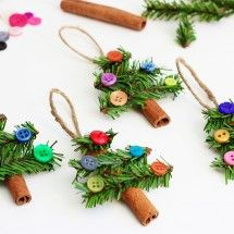Homemade Christmas ornaments and decorations add a beautiful touch to your holiday décor. Crafts Unleashed has Christmas craft projects for inspiration.