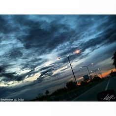 帰ろ off to home. #sky#clouds#sunset#slex#highway#philippines#フィリピン#空#雲
