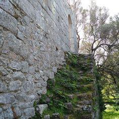 by http://ift.tt/1OJSkeg - Sardegna turismo by italylandscape.com #traveloffers #holiday | Scalinata al Castello di Baldu Pasquetta in Sardegna fra rocce alberi e paesaggi da sogno. Percorso verso il castello di Balajana Baldu San Trano. Luogosanto. #balajana #castellodibaldu #luogosanto #fracieloeterra #terramarecielo #running #runningman #sardegna_super_pics #volgosardegna #volgoolbiatempio #sardegnaphotos #wintersea #seaandsky #thewintersea #instadaily #instasardegna #instagood…