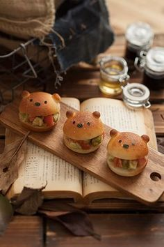 Edible Bears: Sandwich Bears(Abocado and Tomato)