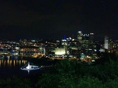 Pittsburgh, Pennsylvania - Glad the fountain is working again, nice picture