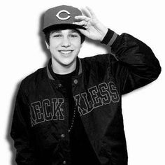 Austin<3 I wish i could meet him it would be an honor too.....also Justin bieber I really wish I could get posters of them and other stuff but my dad wont let me