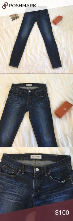 Madewell Dark Wash Skinny Denim 👖 Fashionable denim, comfortable and stylish. 93% cotton 6% polyester 1% spandex 👖General wear from light use. Great condition. The lighting overexposed the picture of them on me (last one) the others are better to reference for actual wash. Madewell Pants Skinny