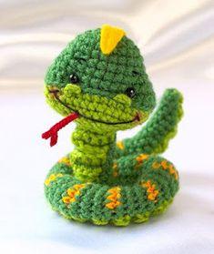 Little Snake - pdf crochet toy pattern - amigurumi pattern . Diy Tricot Crochet, Crochet Mignon, Crochet Amigurumi, Love Crochet, Amigurumi Patterns, Crochet Crafts, Crochet Dolls, Yarn Crafts, Crochet Projects