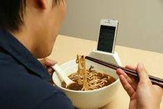Image result for 饭桌玩儿手机