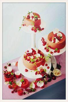 Pâtisserie Ciel http://www.vogue.fr/mariage/adresses/diaporama/patisseries-special-mariage-paris/19636/image/1037275#!meilleurs-patissiers-special-mariage-piece-montee-patisserie-du-ciel