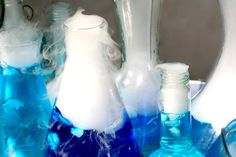 Easy and dramatic bubbling laboratory for your Breaking Bad party