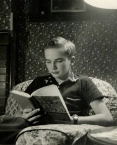 100 Great American Novels (+ Poetry) that we're not reading bc we watch 2 hours of TV a night. ~ Waylon Lewis, Feb 20, 2009