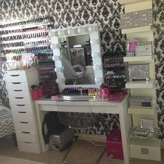 Makeup station! So need this in my home!