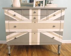 Shades of Blue Interiors: Gray Union Jack  @Colleen Kinsey I totally see you doing this!