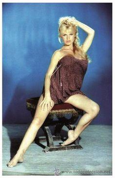 Brigitte Bardot / photo by Sam Levin. Bridgitte Bardot, Female Actresses, Actors & Actresses, Hollywood Stars, Old Hollywood, Look Dark, Cinema Tv, And God Created Woman, Foto Art