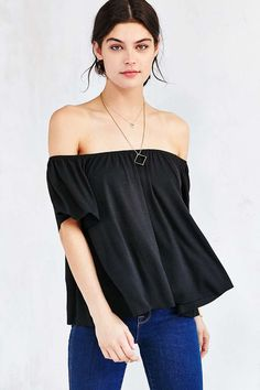 Ecote Mara Off-The-Shoulder Top - Urban Outfitters