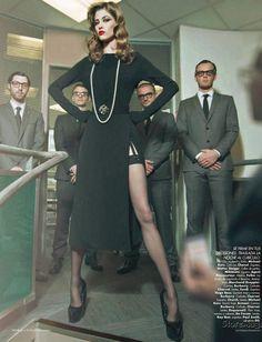 Negocios Riesgosos (Risky Business) - Harper's Bazaar - Yulia Kharlapanova - ph Benjamin Kanarek - #lexeecouture