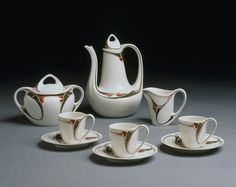 Dufrène, Maurice, Porcelain with stencilled decoration in enamels.