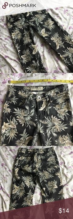 Olive palm tree jeans Rise 10in, stretchy but thick at the same time. Skinny fit, true to size 2 (COMMENT IF INTERESTED IN ITEM before offer. Will repost a dollar less to cut shipping rates) Cotton On Jeans Skinny