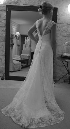 Wedding dress: Creation and realization of your tailor-made wedding dress - Dress 01 Fancy Wedding Dresses, Weeding Dress, Beautiful Wedding Gowns, Dream Wedding, Dress Robes, Lace Dress, Bridal Outfits, Bridal Gowns, Bohemian Hairstyles
