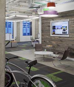 160552 00 N17 medium 700x829 Inside Mapquests Denver Headquarters : utilisation bois grange pour les murs