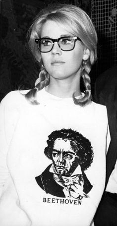 """jane fonda in wayfarers. She was doing nerdy chic before it was """"cool""""!  #glasses #vintage"""