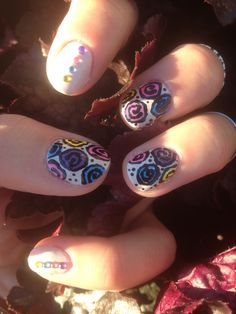 Colorful Rose Nail Art!🌹