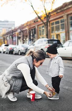 11 Ways to Be a Happier Mom (Hello Fashion) Mommy And Son, Mom Son, Mommys Boy, Mom And Son Outfits, Baby Boy Outfits, Baby Boy Fashion, Kids Fashion, Mommy Fashion, Fashion Spring