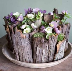Rustic floral arrangement with wooden stump vase Art Floral, Deco Floral, Floral Design, Ikebana, My Flower, Flower Art, Fresh Flowers, Beautiful Flowers, Purple Flowers