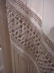 Resultado de imagen de ENREJADO MANTONES Macrame Art, Crochet Borders, Silk Shawl, Lace Making, Embroidery Patterns, Knots, Weaving, Stitch, Handmade