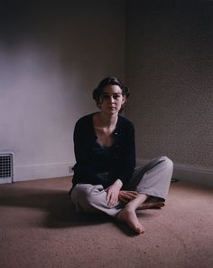Portraits - photo by Todd Hido Intimate Photography, Color Photography, Creative Photography, Photography Poses, Sitting Poses, Floor Sitting, Todd Hido, Female Portrait, Color Portrait