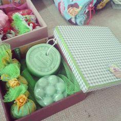 Kit - caixa em MDF, sabonetes e sachês