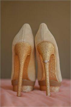 Wedding Pics, Wedding Shoes, Wedding Blog, Our Wedding, Dream Wedding, Wedding Ideas, Wedding Engagement, Engagement Photos, Whisky