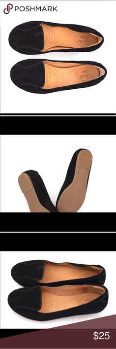 Clarks Black Flats Good used condition material is slightly velvet feeling Clarks Shoes Flats & Loafers