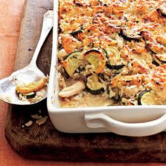 Chicken and Rice Casserole by Cooking Light. Although the yellow and green squash give this chicken and rice casserole a colorful appearance, you can use one or the other, if you prefer. Healthy Recipes On A Budget, Cooking On A Budget, Budget Meals, Cooking Recipes, Cooking Tips, Cooking Food, Skinny Recipes, Food Food, Healthy Food