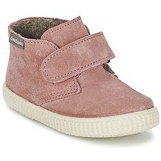 fcff3771 Les kids vont trouver dans cette sneaker signée Victoria une alliée de  choix pour leur quotidien