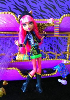 13 Wishes Howleen Wolf-- Doll release (according to Mattel): July 2013 Love Monster, Monster High Dolls, Howleen Wolf, Monster High Custom, Season Of The Witch, Ever After High, All Things Purple, Over The Rainbow, My Little Pony