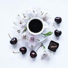Автор @___moschino #mywhitetable #flatlay #flatlays #onthetable #whiteaddict #whywhiteworks #coffee #cafe #caffeine #hot #instacoffee #cafelife #mug #drink #coffeeaddict #coffeegram #coffeeoftheday #cotd #coffeelover #coffeelovers #coffeeholic #coffeecup #coffeelove #coffeemug #coffeelife #coffeetime #coffeebean #coffeeshop #coffeeart by white_table_