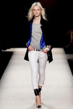 Isabel Marant Spring 2011 Ready-to-Wear Fashion Show - Ginta Lapina (Women)