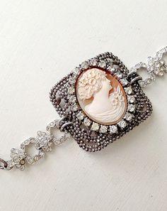 Antique Cherub and Paris Rosary Bracelet – Cupids Charm Vintage Jewelry Crafts, Recycled Jewelry, Old Jewelry, Jewelry Findings, Charm Jewelry, Jewelery, Jewelry Making, Jewelry Ideas, Handmade Bracelets