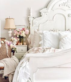French Bedroom Decor, Vintage Bedroom Decor, French Country Bedrooms, Vintage Style Bedrooms, Chic Bedroom Ideas, French Master Bedroom, Rich Girl Bedroom, French Bedding, French Inspired Bedroom