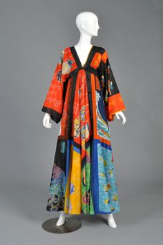 La Vetta Silk Scarf Maxi Dress with Full Sweep Fashion Fabric, 70s Fashion, Unique Fashion, Couture Fashion, Fashion Dresses, Vintage Fashion, Fashion Design, Vintage Beauty, Vintage Dresses